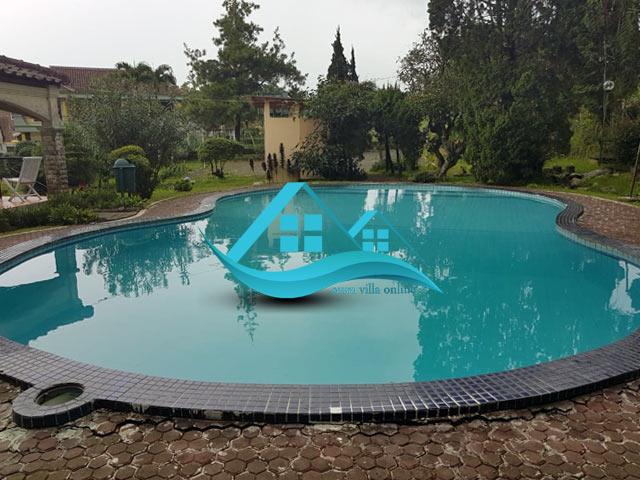 villa puncak kolam renang pribad